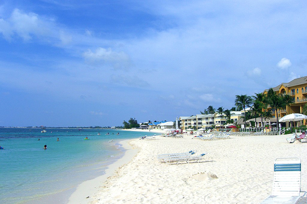 Seven Mile Beach, Grand Cayman. Photo: RoadTripWarrior