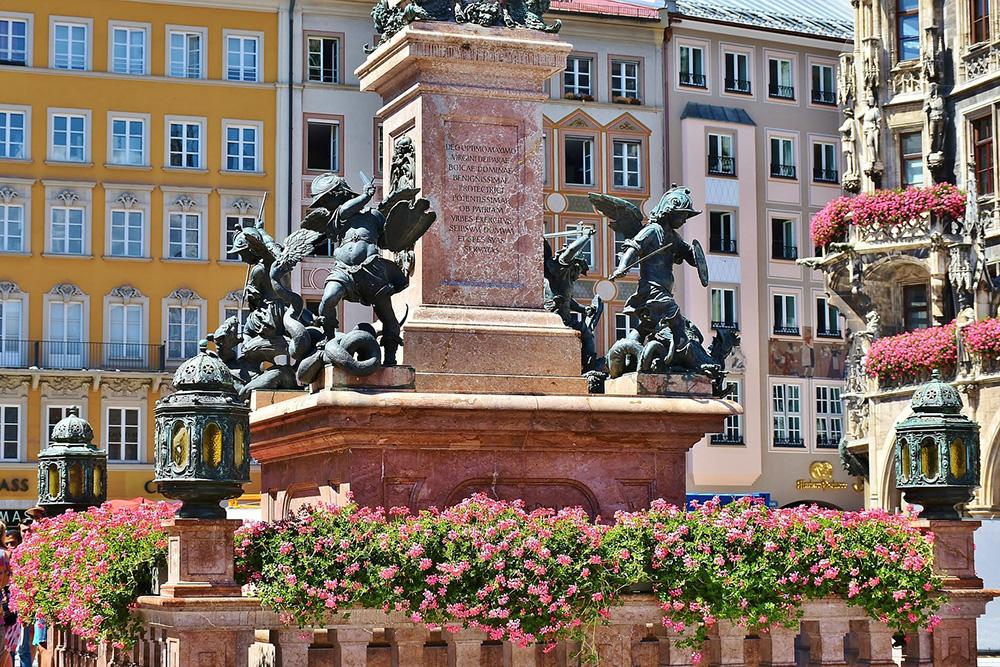 Marienplatz Central Square, Munich