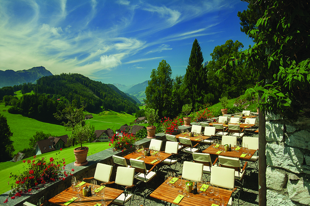 Golf Restaurant_Terrace 1
