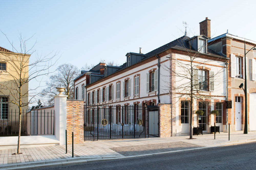 Exterior of Le 25bis hotel by Leclerc Briant